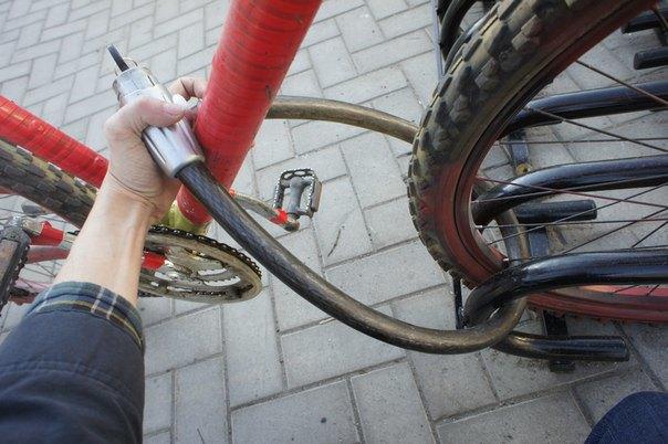 Городские велопарковки оказались непригодными для использования. Изображение № 2.