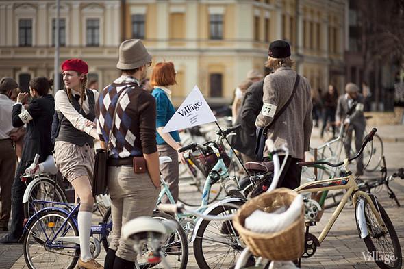 С твидом на город: Участники первого «Ретрокруиза»— о своей одежде и велосипедах. Изображение № 7.