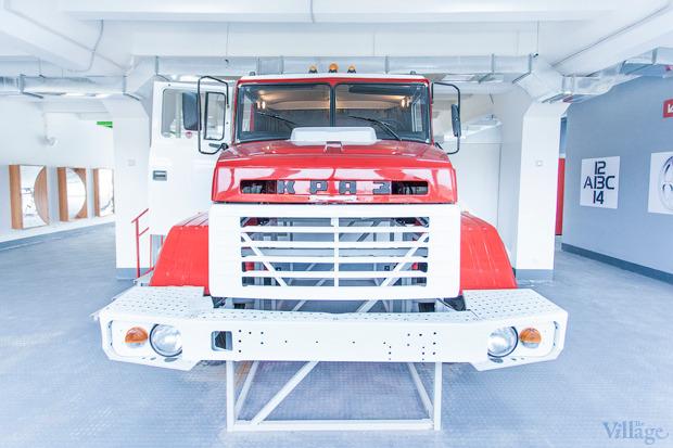 Кабина пожарной машины открыта для посещений. Изображение № 8.