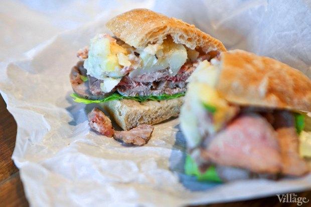 Сэндвич с ростбифом и картофельным салатом. Изображение № 26.