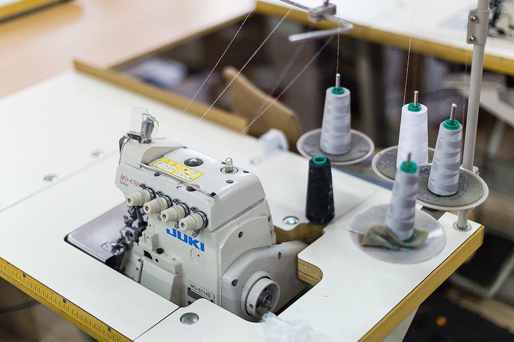 Производственный процесс: Как шьют футболки и толстовки. Изображение № 1.