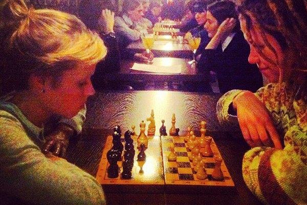 В баре «Север» открылся шахматный клуб. Изображение № 1.