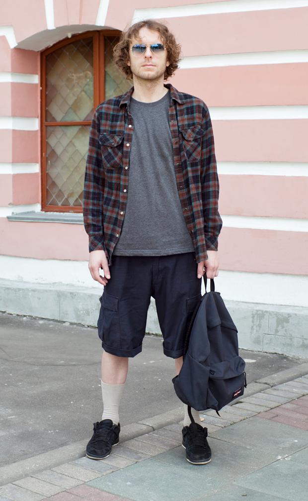 Внешний вид: Евгений Немчинов, парикмахер. Изображение № 1.