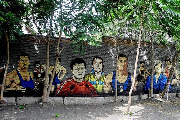 На Жилянской появились граффити с портретами украинских спортсменов. Зображення № 1.