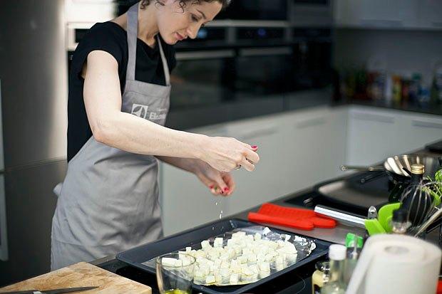 Шеф дома: Ростбиф-салат и тыквенная каша Мириам Сехон. Изображение № 21.