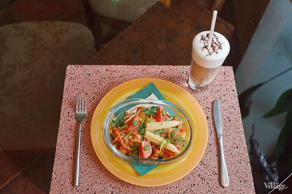 Горшочек «Розалинда» (запеченные овощи с чеддером и соевым мясом по-мексикански) — 210 рублей. Изображение № 31.