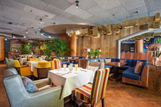 Кафе HummusSapiens, рестораны Chicha и«Латинский квартал», кафе BurgerHeroes и«Юность» в«ЭМА». Изображение № 5.