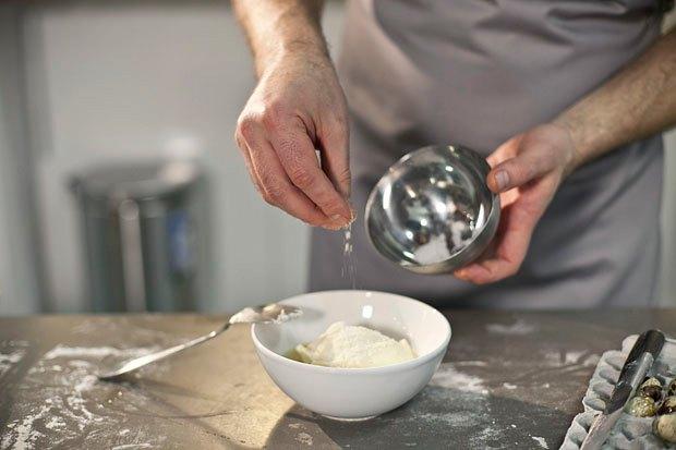 Шеф дома: Котлета из цесарки и пирог-галета Дениса Крупени. Изображение № 109.