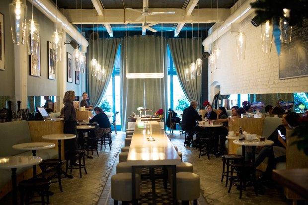 На«Трёхгорной мануфактуре» открылось кафе Buro Canteen. Изображение № 3.