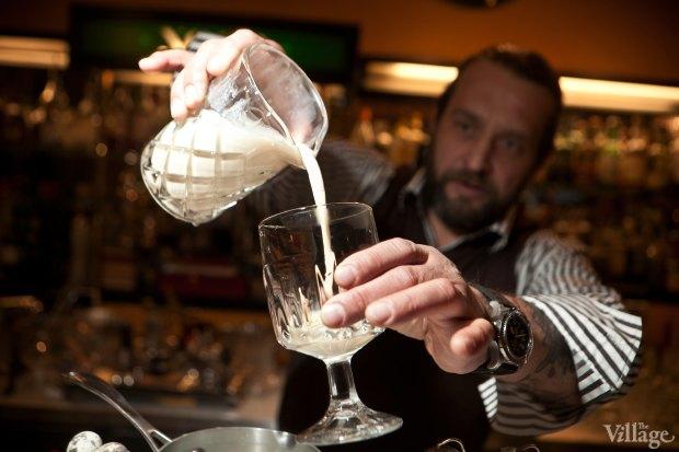 Перелить коктейль в бокал. Изображение № 37.