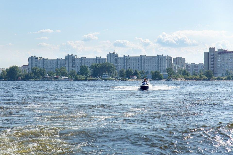 Как водные мотоциклисты объявили войну петербуржцам. Изображение № 6.