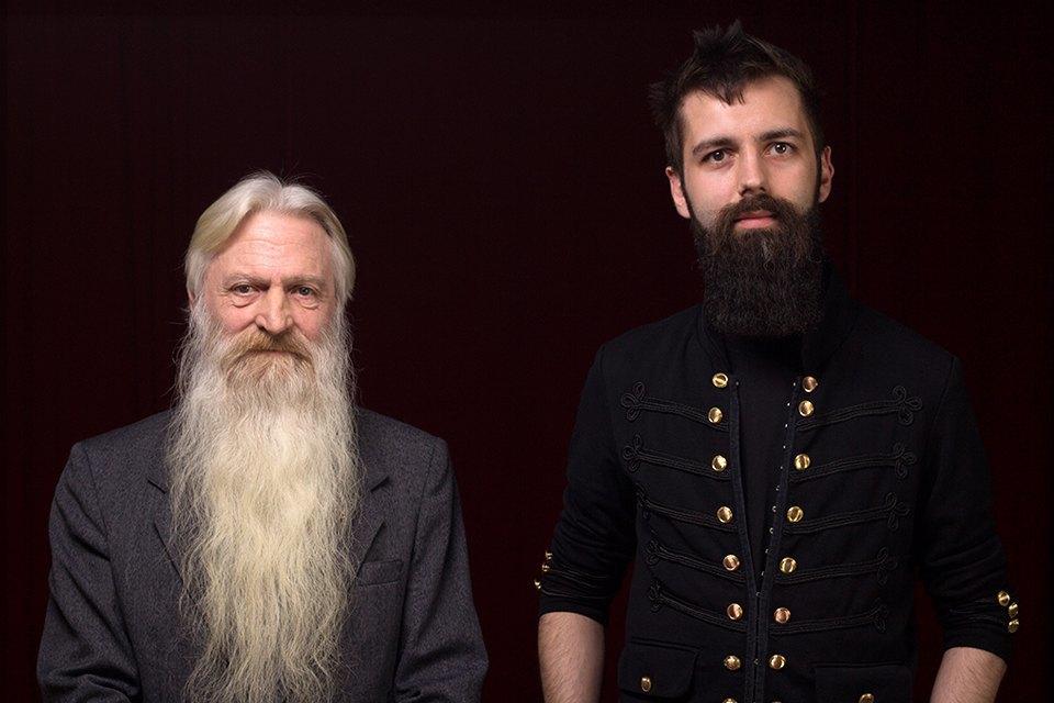 Слева на фото: победитель в номинации «Естественная борода» — Виктор Кочетков. Изображение № 2.