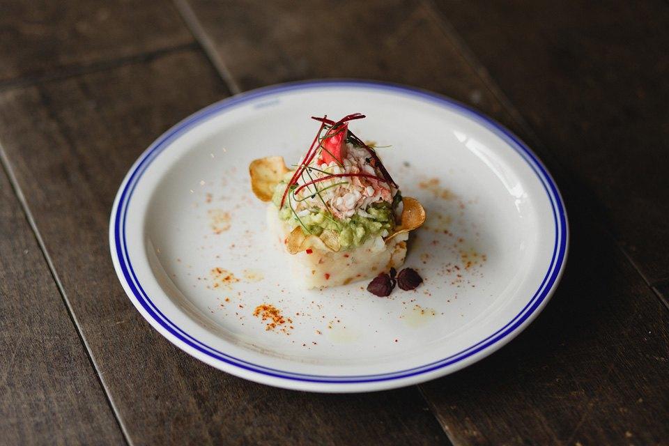 Картофельный кейк с крабом и авокадо, 490 рублей. Изображение № 33.