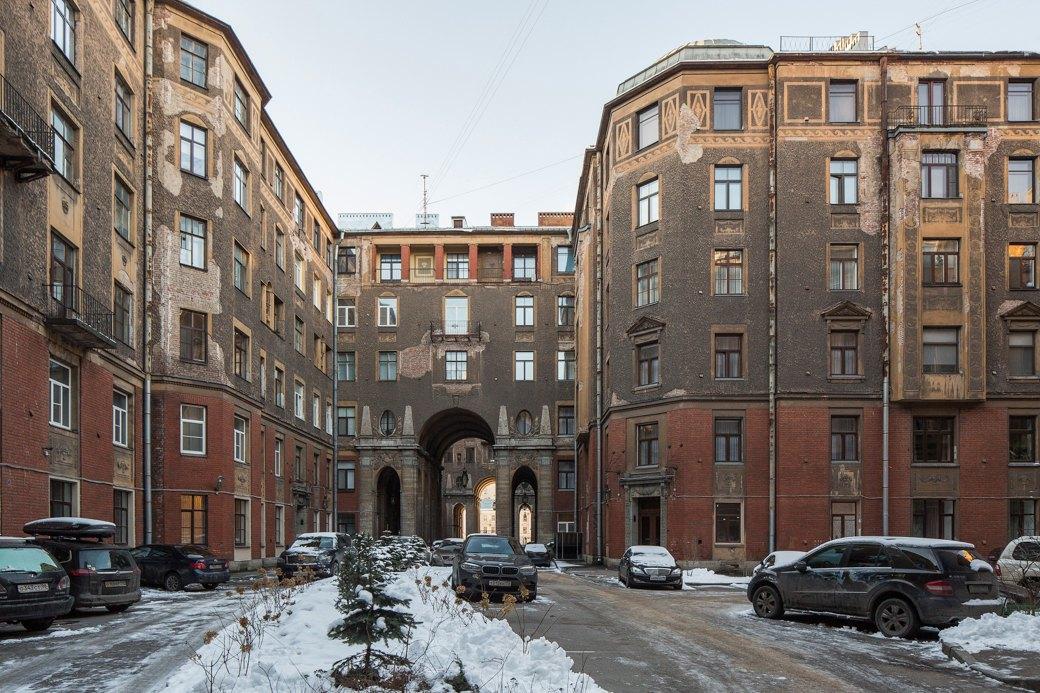 Я живу вТолстовском доме (Петербург). Изображение № 3.