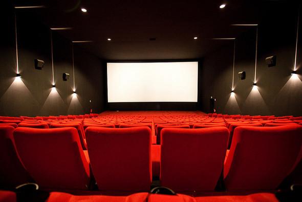 «Евросеть» будет продавать билеты в кино. Изображение № 1.