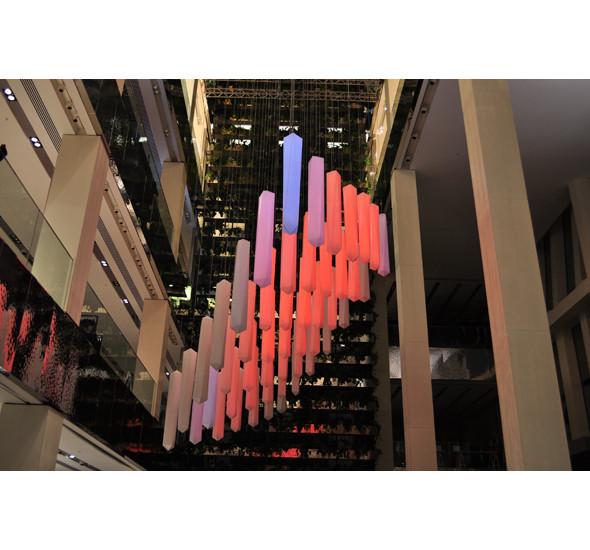 Изображение 11. В столичном универмаге появилась световая инсталляция.. Изображение № 11.