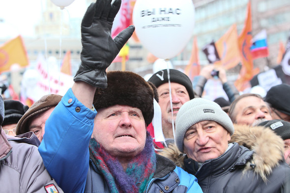 Митинг «За честные выборы» на проспекте Сахарова: Фоторепортаж, пожелания москвичей и соцопрос. Изображение № 50.