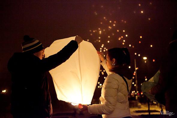 Фоторепортаж: Флешмоб с китайскими фонариками. Изображение № 5.