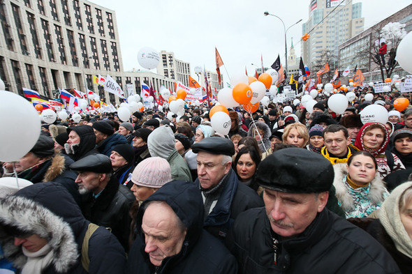 Митинг «За честные выборы» на проспекте Сахарова: Фоторепортаж, пожелания москвичей и соцопрос. Изображение № 37.