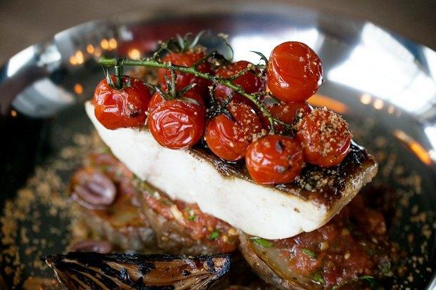 Меню Shake Shack, роллы с местной рыбой в «Свои люди», кафе Ламберти в Aizel. Изображение № 10.