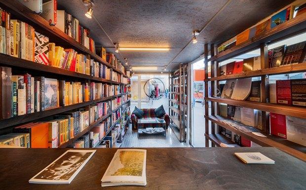 На«Улице Контейнерной» открылся книжный магазин «Факел» . Изображение № 4.