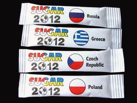 Сувениры Евро-2012 начали продавать в два раза дешевле. Зображення № 5.