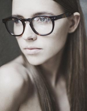На полках: Магазин очков и оправ Hello Glasses. Изображение № 11.