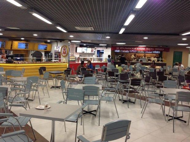 Над метро «Адмиралтейская» открылся торговый центр «Адмирал». Изображение № 2.