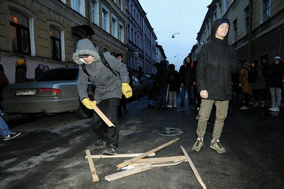 Фоторепортаж: Как выгоняют арендаторов «Четверти». Изображение № 2.