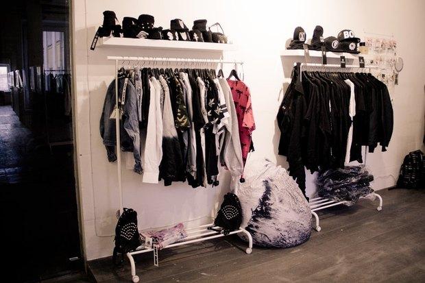 В «Этажах» открылся магазин с одеждой молодых британских и испанских марок. Изображение № 3.