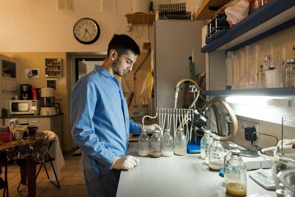 Микробиолог Андрей Шестаков— ополезных микробах, вреде молока ифинансировании науки. Изображение № 14.