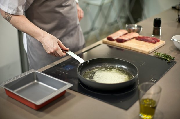 Шеф дома: Ягненок, хумус иоблепиховый десерт шефа «Стрелки». Изображение № 54.