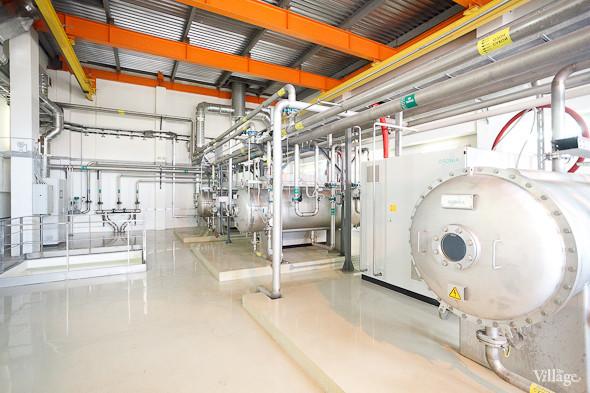 Озон получают из воздуха через специальные аппараты . Изображение № 42.