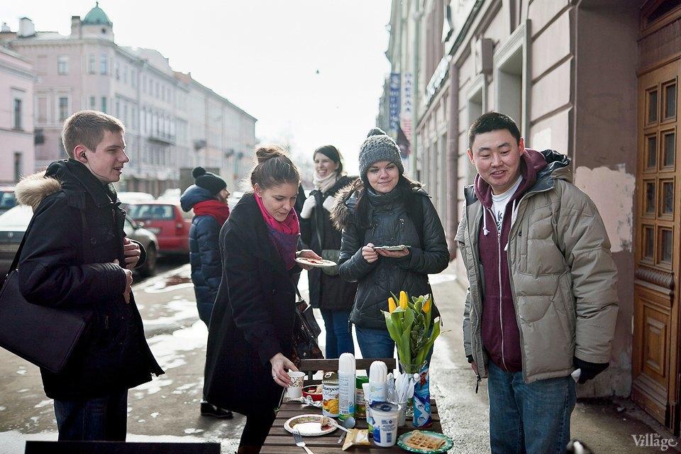 Фоторепортаж: Как открыть своё временное кафе на улице. Изображение № 11.