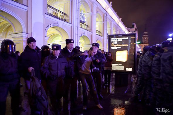 Хроника выборов: Нарушения, цифры и два стихийных митинга в Петербурге. Изображение № 12.