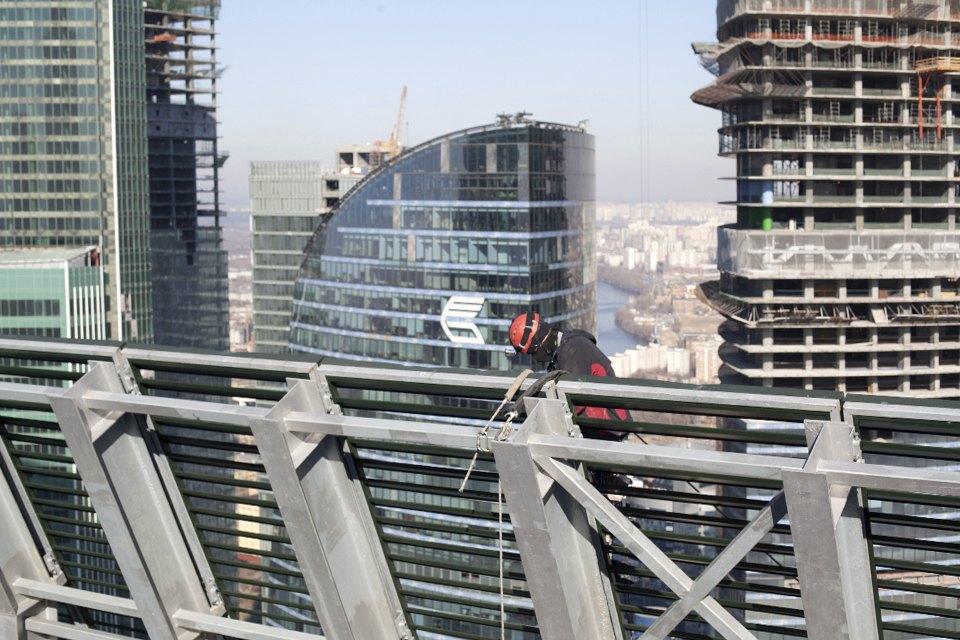 Как моют окна насмотровой площадке «Москва-Сити». Изображение № 5.