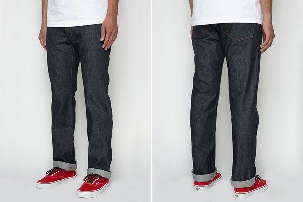 Где купить мужские джинсы прямого кроя: 9вариантов от 1655рублей до 13тысяч. Изображение № 5.