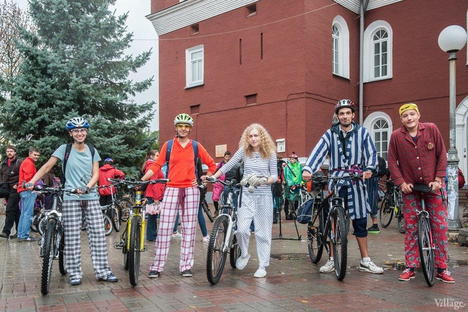 Люди в городе: участники велопарада впижамах. Изображение № 8.