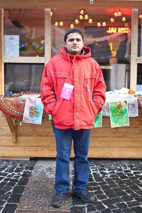 Люди в городе: Продавцы рождественской ярмарки на Островского. Изображение № 42.