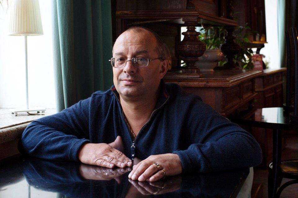 Охранник кафе «Маяк» одраках, политике иповадках московской интеллигенции. Изображение № 2.