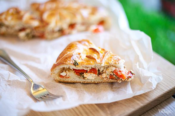 Пирог с брынзой и помидором. Изображение № 29.