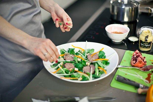 Шеф дома: Ростбиф-салат и тыквенная каша Мириам Сехон. Изображение № 61.