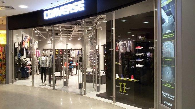 В «Европейском» открылся фирменный магазин Converse. Изображение № 3.