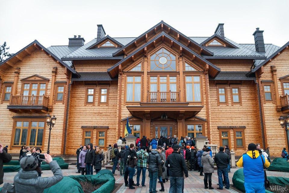 Народное движение: За чем едут в резиденцию Виктора Януковича. Изображение № 10.