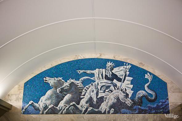 На новой станции метро «Адмиралтейская» уже произошло несколько аварийных остановок эскалатора. Изображение № 26.