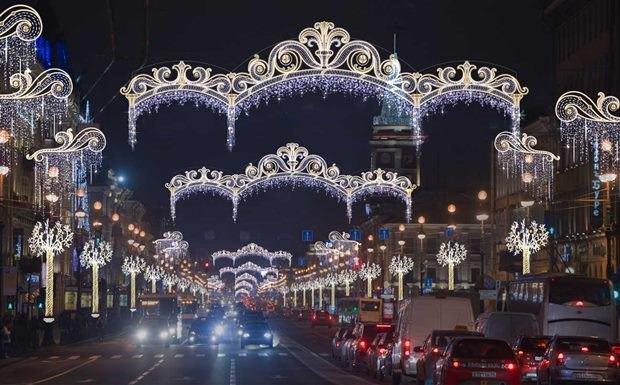Стала известна дата включения новогодней иллюминации вПетербурге. Изображение № 1.