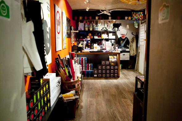 После прочтения съесть: 5 кафе при магазинах. Изображение № 56.