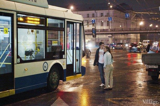 Фото дня: Первые ночные автобусы и троллейбусы в Москве. Изображение № 10.