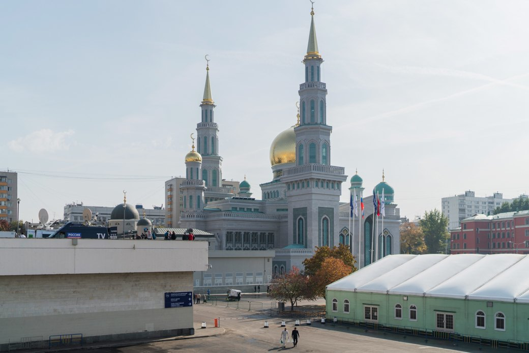 80-метровые минареты иместо для 10тысяч верующих — как выглядит Московская Соборная мечеть. Изображение № 2.