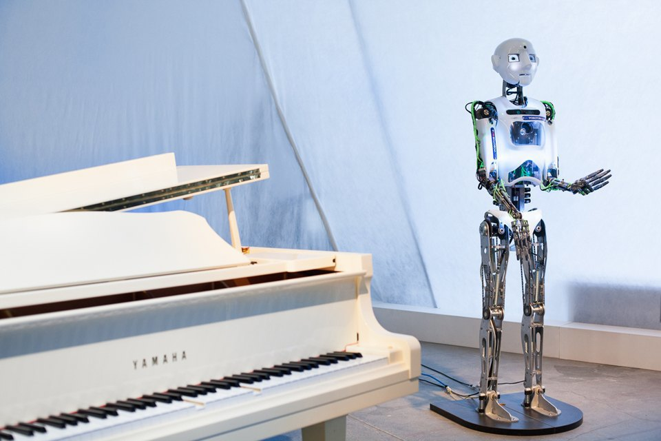 Как выглядит «Бал роботов» наArtplay. Изображение № 4.